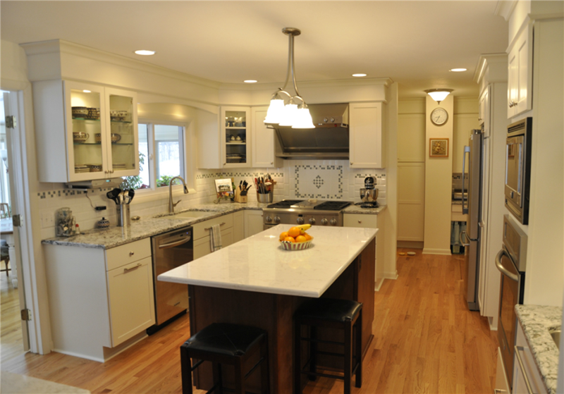 51 Awesome Small Kitchen With Island Designs-20