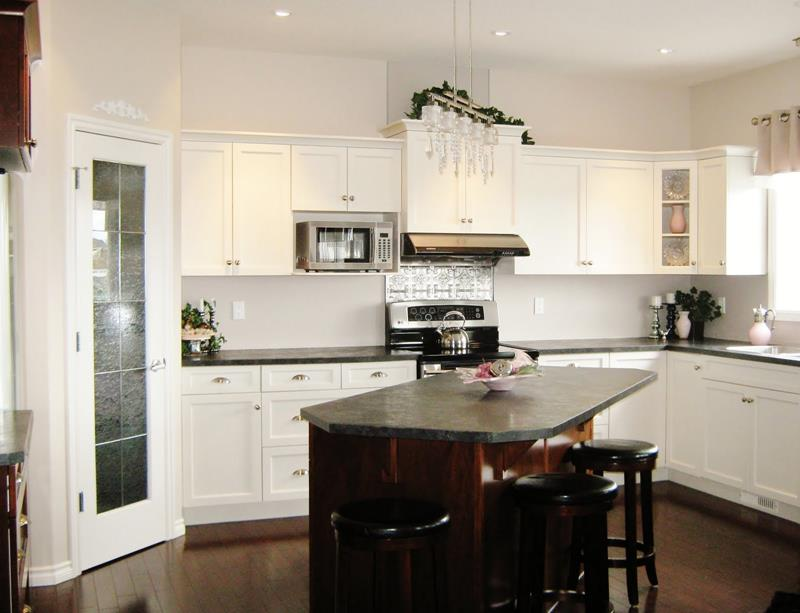 51 Awesome Small Kitchen With Island Designs-27