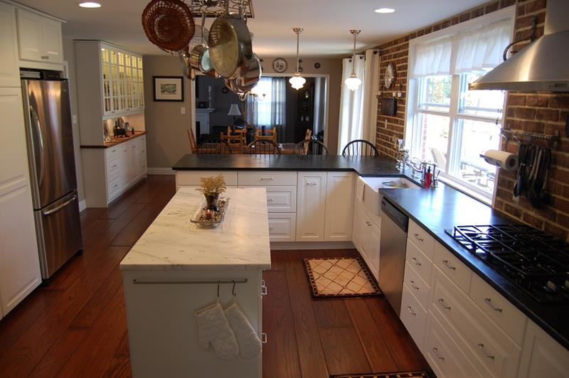 51 Awesome Small Kitchen With Island Designs-36