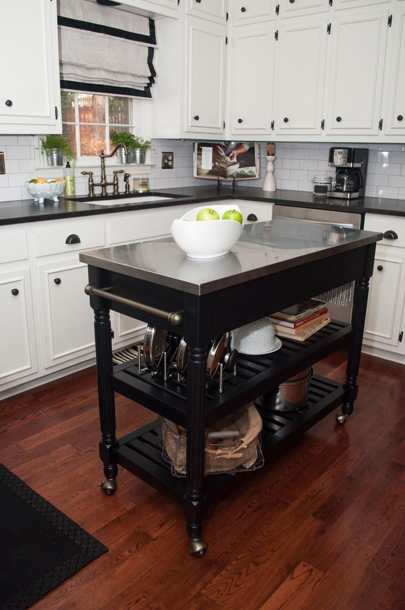 51 Awesome Small Kitchen With Island Designs-41