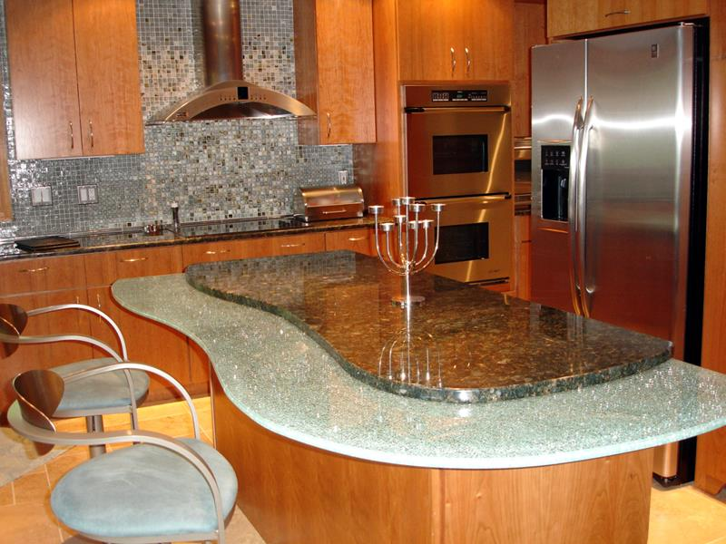 51 Awesome Small Kitchen With Island Designs-44