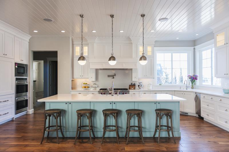 53 Charming Kitchens With Light Wood Floors-29
