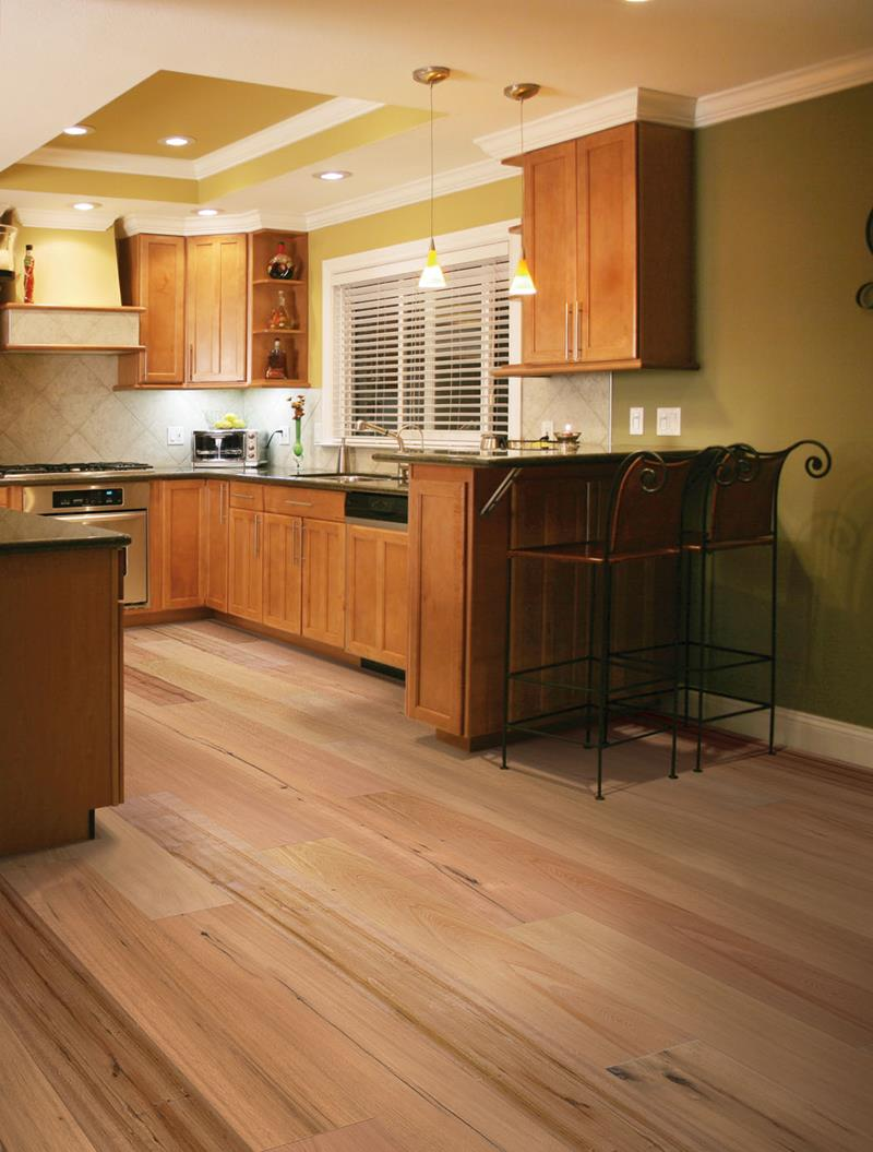 53 Charming Kitchens With Light Wood Floors-46