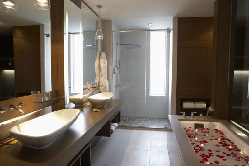 55 Amazing Luxury Bathroom Designs-54