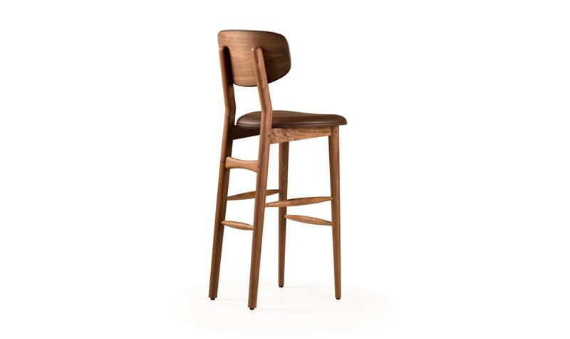 A Guide to Different Types of Barstools and Counter Stools-4