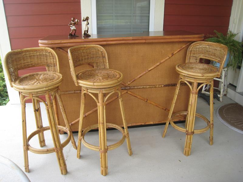 A Guide to Different Types of Barstools and Counter Stools-5b