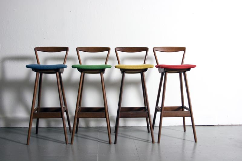A Guide to Different Types of Barstools and Counter Stools-9