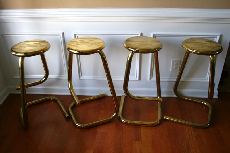 A Guide to Different Types of Barstools and Counter Stools-TOC