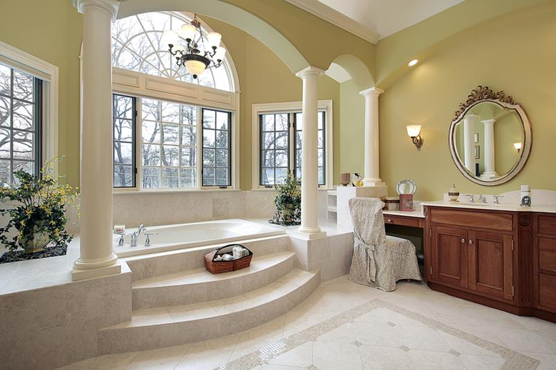 Master bath with columns and step up tub
