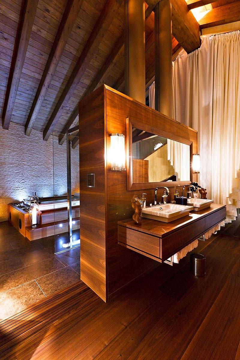 132 Custom Luxury Bathrooms-114