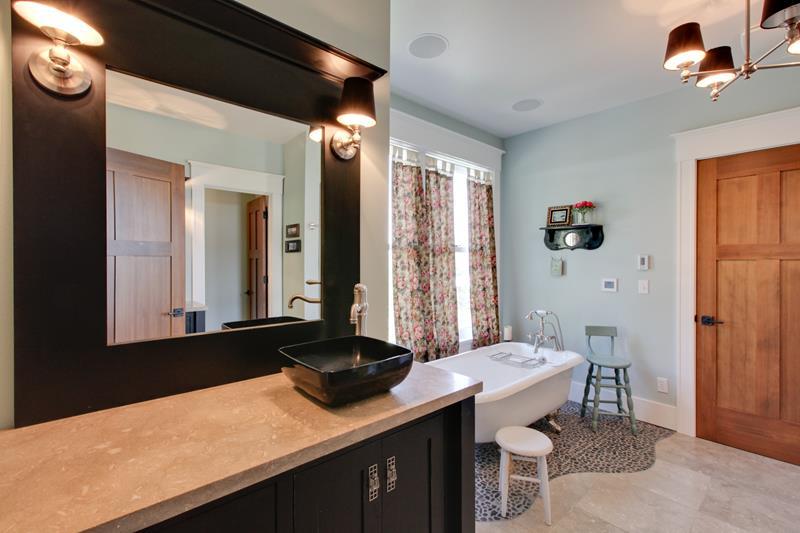 132 Custom Luxury Bathrooms-129