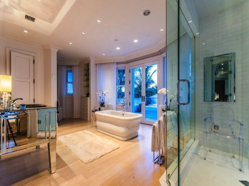 132 Custom Luxury Bathrooms-130