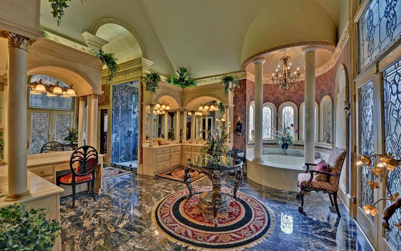 132 Custom Luxury Bathrooms-15