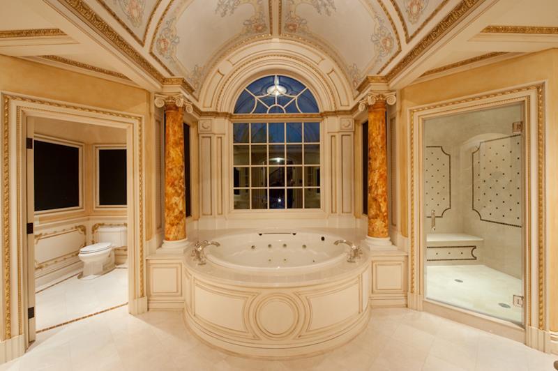 132 Custom Luxury Bathrooms-3
