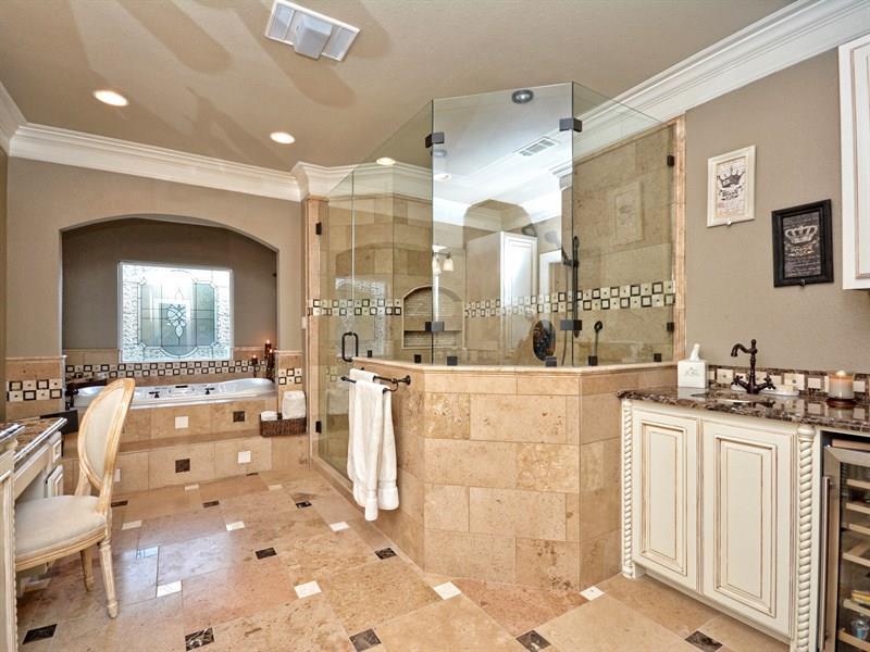 132 Custom Luxury Bathrooms-31