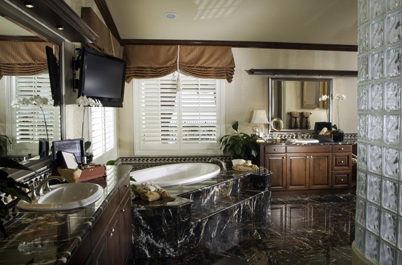 132 Custom Luxury Bathrooms-4