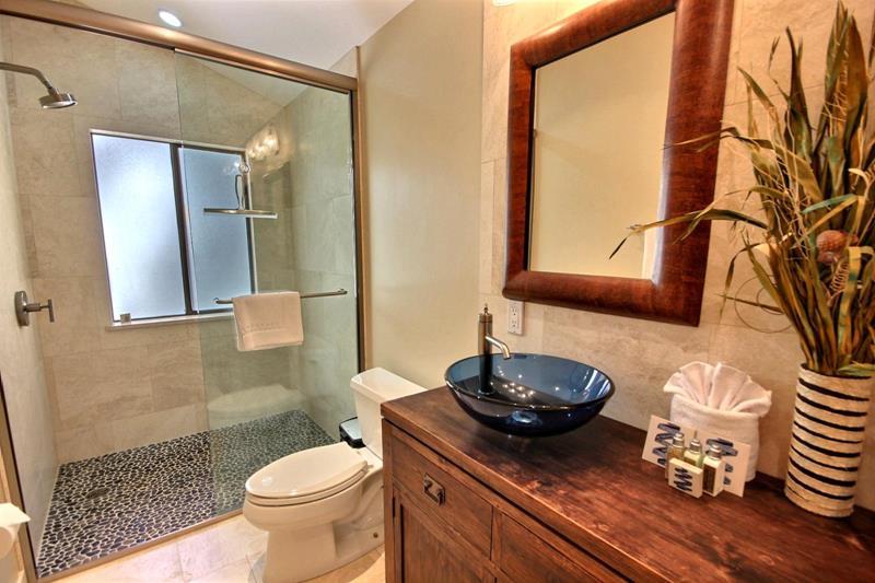 132 Custom Luxury Bathrooms-59