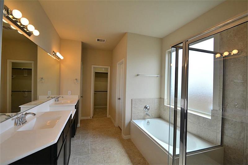 132 Custom Luxury Bathrooms-74