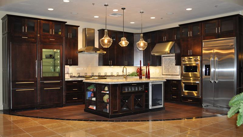 20 Beautiful Kitchens with Dark Kitchen Cabinets Design-15