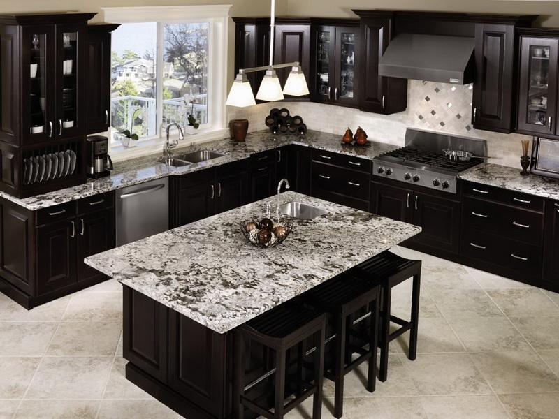 20 Beautiful Kitchens with Dark Kitchen Cabinets Design-3