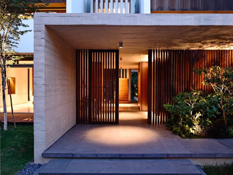 21 Cool Front Door Designs For Houses-18