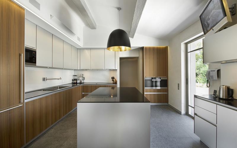 55 Luxury Contemporary Kitchen Designs-18