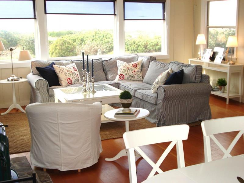 62 Gorgeous Small Living Room Designs-30