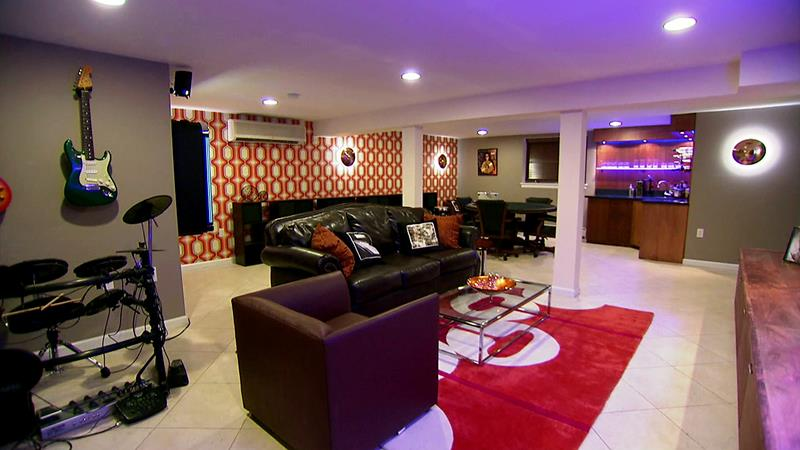 70 Awesome Man Caves In Finished Basements And Elsewhere-4