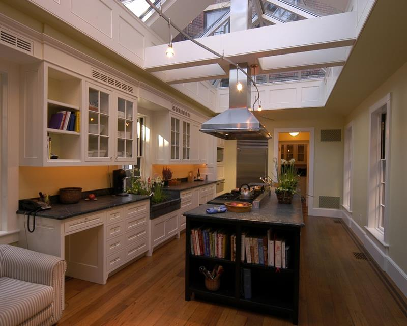 22 Stunning Kitchen Designs With White Cabinets-12