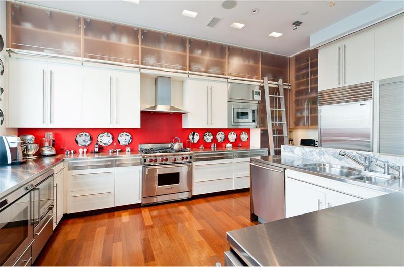 22 Stunning Kitchen Designs With White Cabinets-20