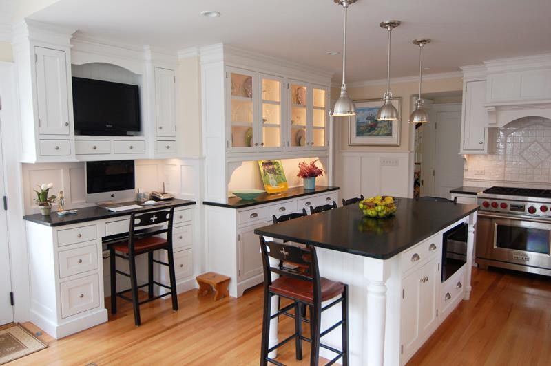 22 Stunning Kitchen Designs With White Cabinets-21