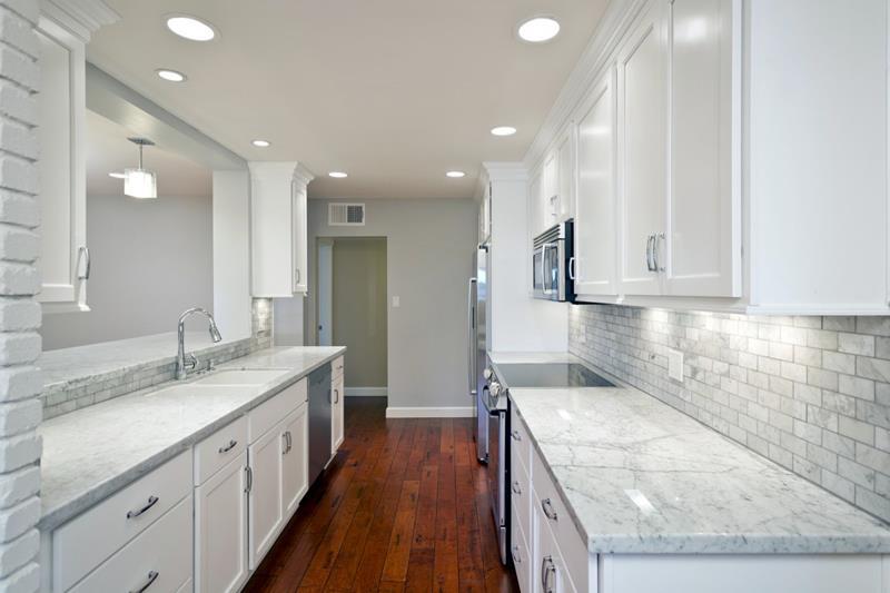 22 Stunning Kitchen Designs With White Cabinets-22