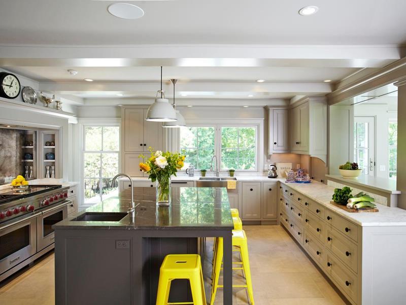 22 Stunning Kitchen Designs With White Cabinets-8