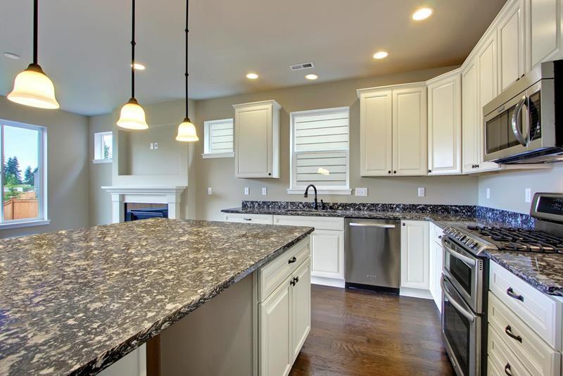 22 Stunning Kitchen Designs With White Cabinets-9