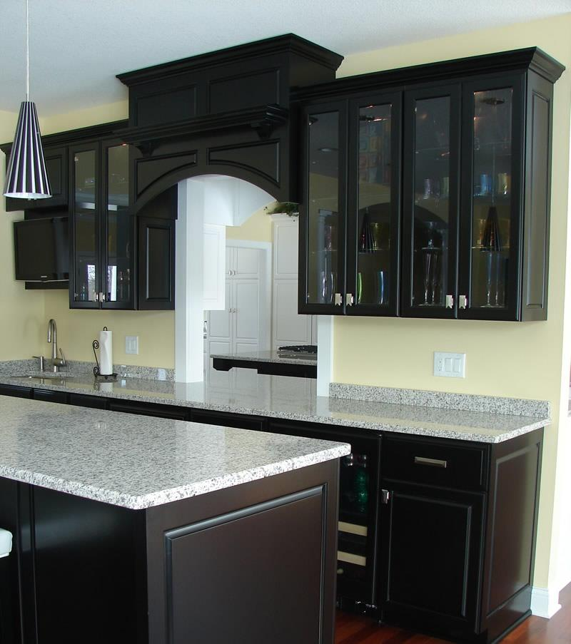 23 Beautiful Kitchen Designs With Black Cabinets - Page 3 of 5