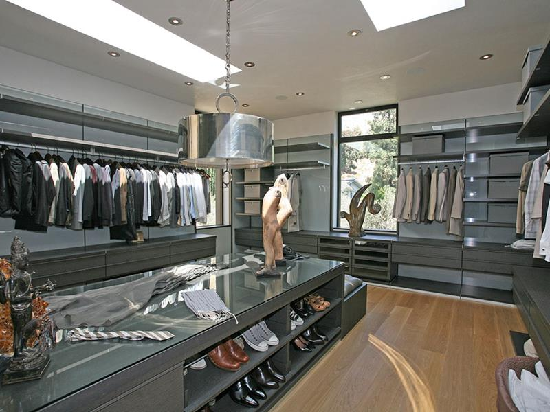 24 Jaw Dropping Walk In Closet Designs-10