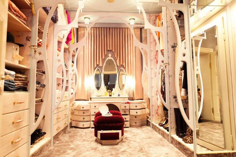 24 Jaw Dropping Walk In Closet Designs-13