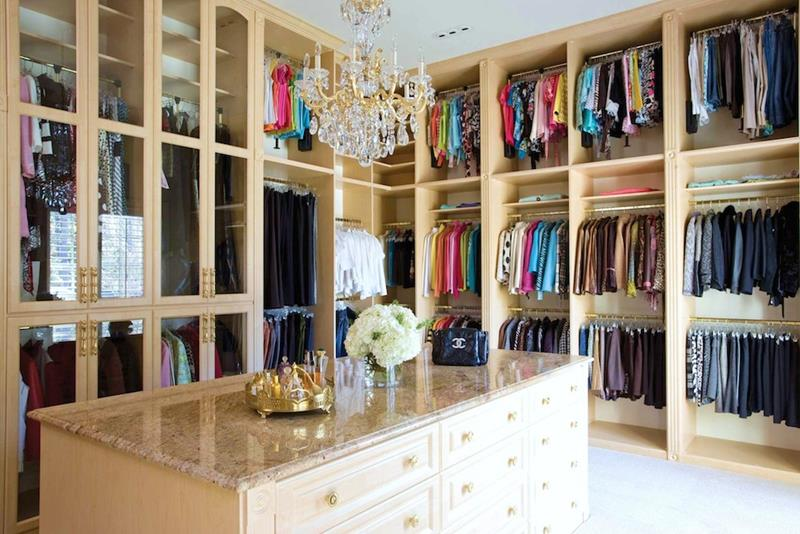 24 Jaw Dropping Walk In Closet Designs-5