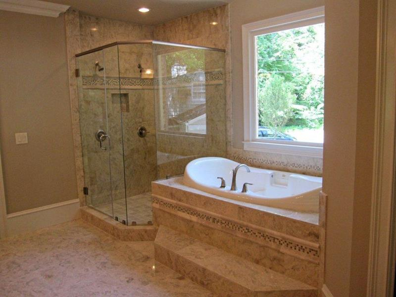 24 Luxury Master Bathrooms With Soaking Tubs-8