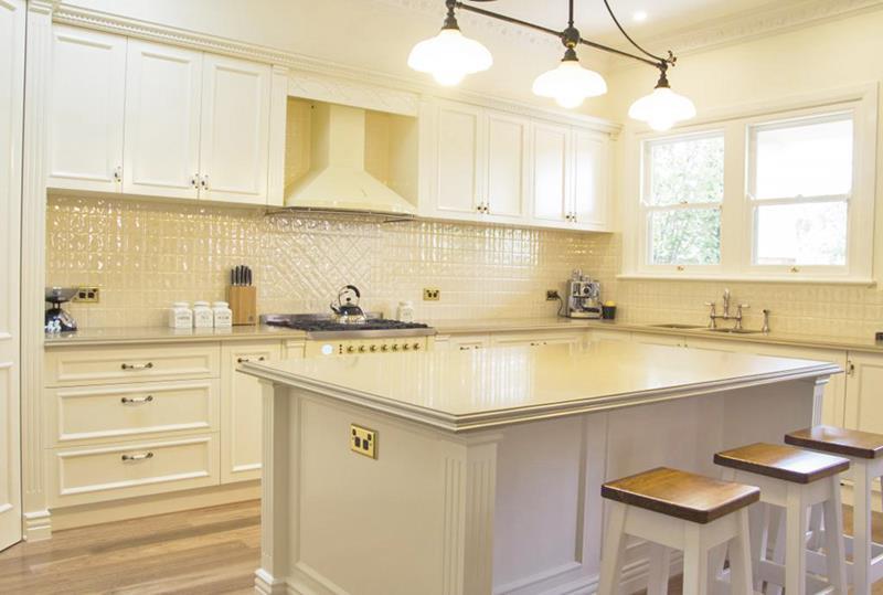24 Traditional Kitchen Designs-24