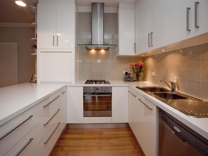 52 U Shaped Kitchen Designs With Style-1