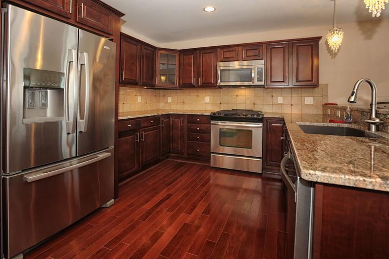 52 U Shaped Kitchen Designs With Style-24
