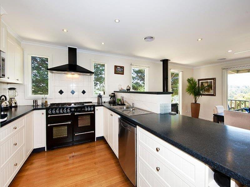 52 ushaped kitchen designs with style  page 7 of 10