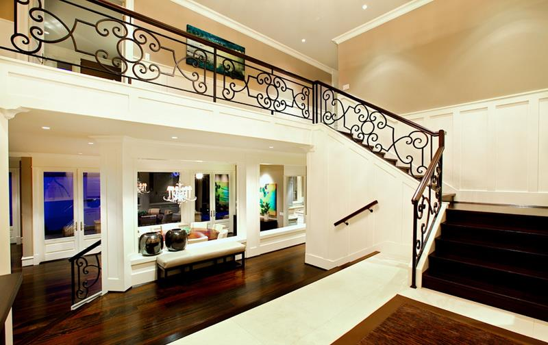 56 Beautiful And Luxurious Foyer Designs-17