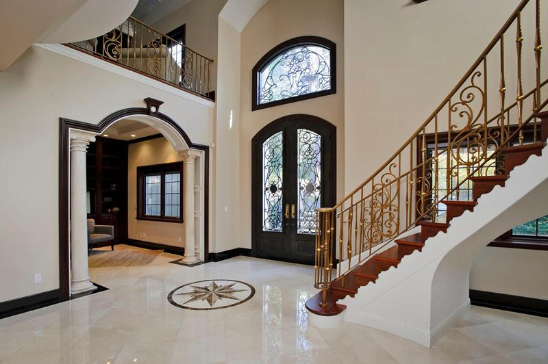 56 Beautiful And Luxurious Foyer Designs-7