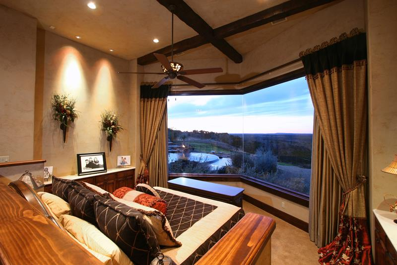 70 Custom Master Bedrooms-4