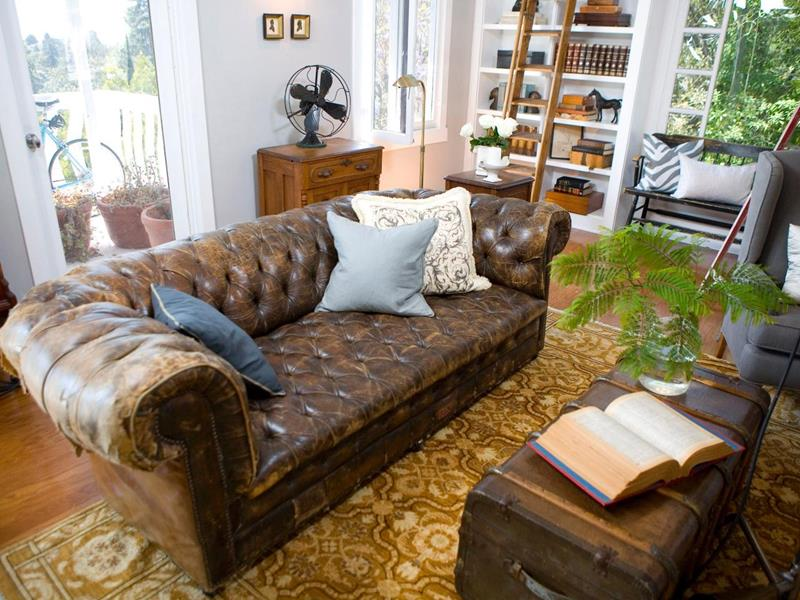 22 Living Rooms With Leather Furniture-7