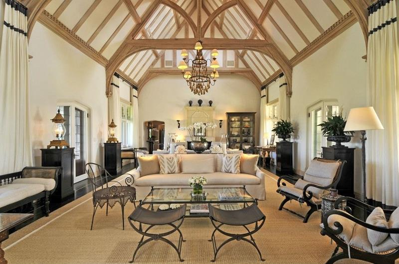 24 Living Rooms With Vaulted Ceilings-1