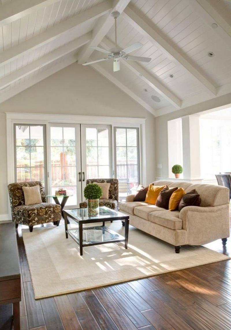 24 Living Rooms With Vaulted Ceilings-6