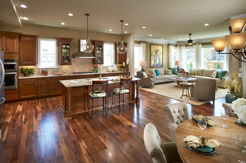 25 Elegant Kitchens with Hardwood Floors-24